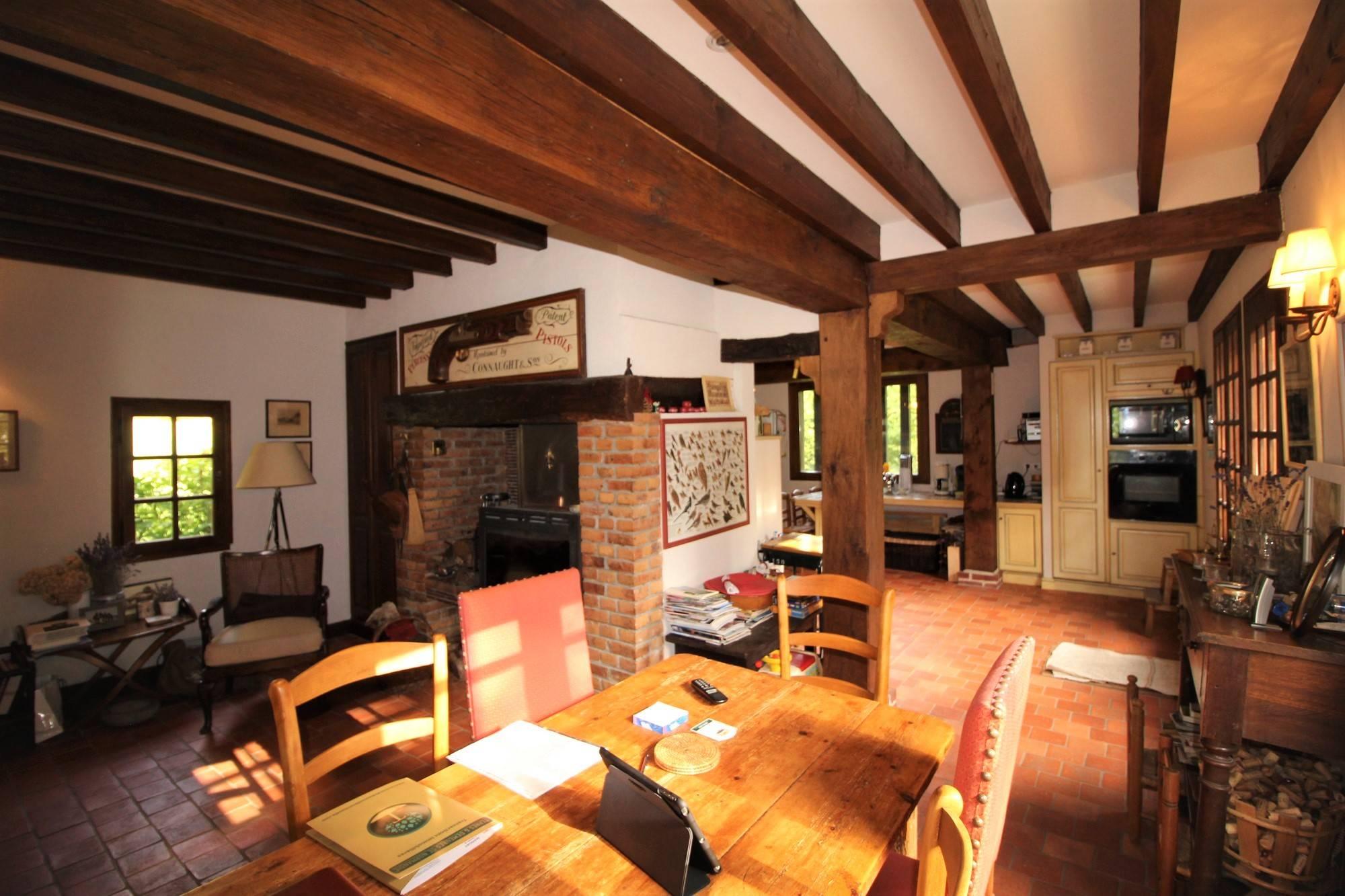 Acquisition authentique maison normande proche Cormeilles