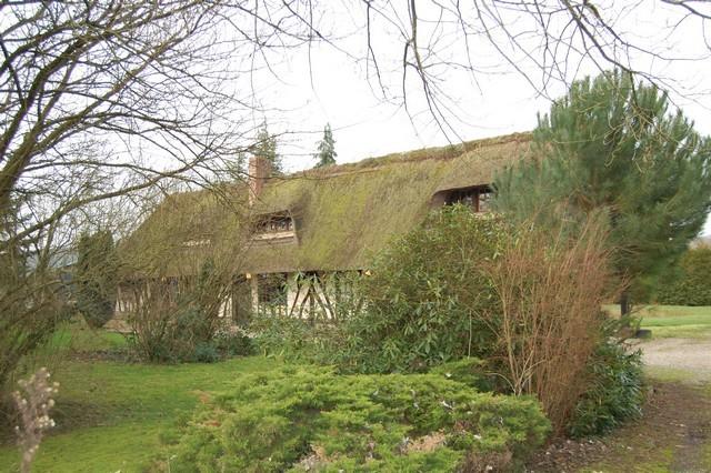 chaumiere a vendre normandie region st georges du vievre a la sortie d un petit village. Black Bedroom Furniture Sets. Home Design Ideas