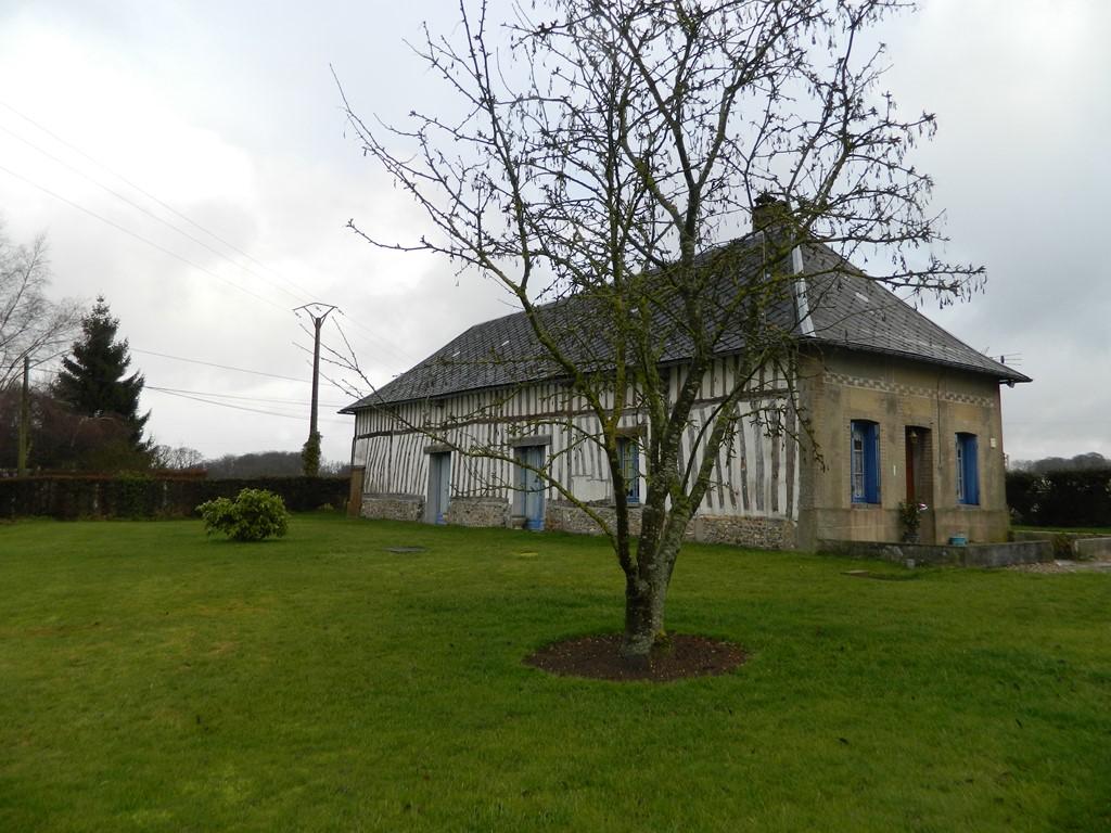 Maison normande r gion saint sa ns 76680 en normandie for Au fond du jardin saint saens