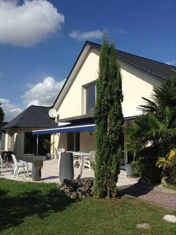 A VENDRE MAISON CONTEMPORAINE  Située à 20 minutes de la mer, de Dieppe 76200, 15 minutes de Neufchâtel en Bray , en Normandie