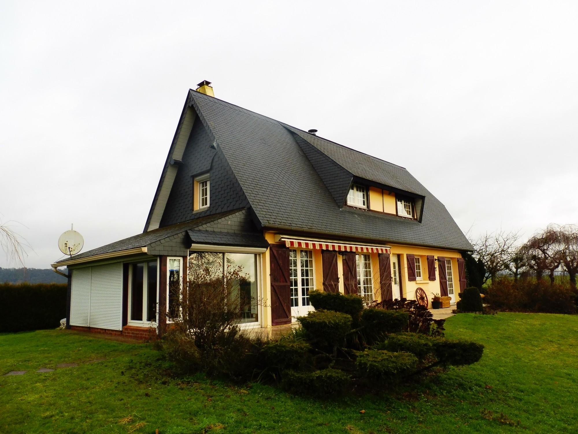 maison spacieuse sur sous sol complet situ e 5 mn de vatteville la rue en normandie terres. Black Bedroom Furniture Sets. Home Design Ideas