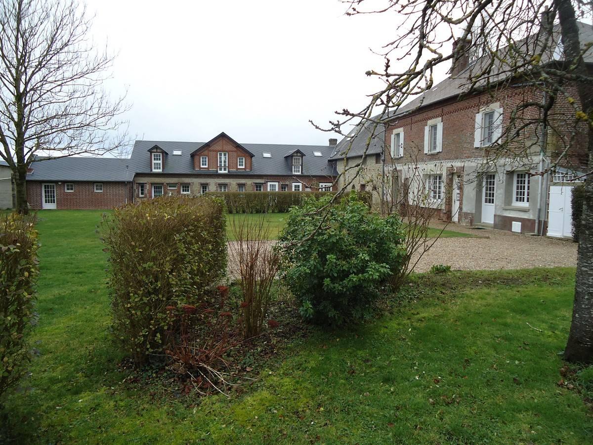 Grande propriété entre Gournay en Bray et Forges les Eaux 76