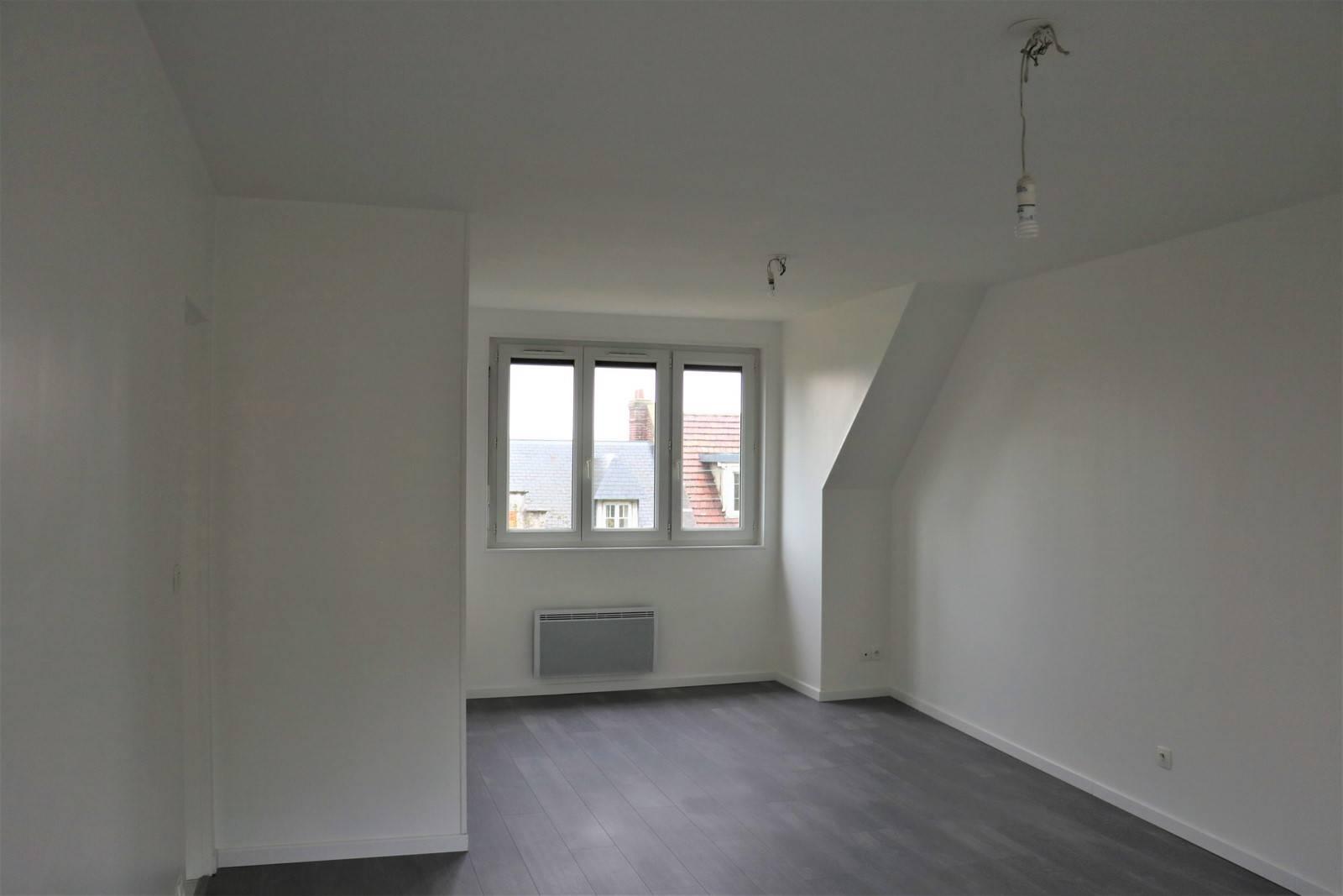 A vendre appartement  3ème étage
