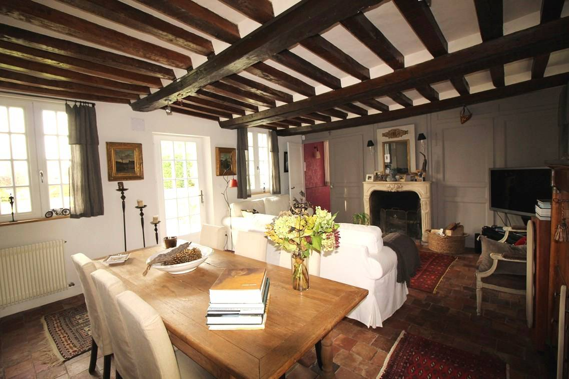 A acheter demeure à colombages avec tomettes anciennes proche Lieurey 27260