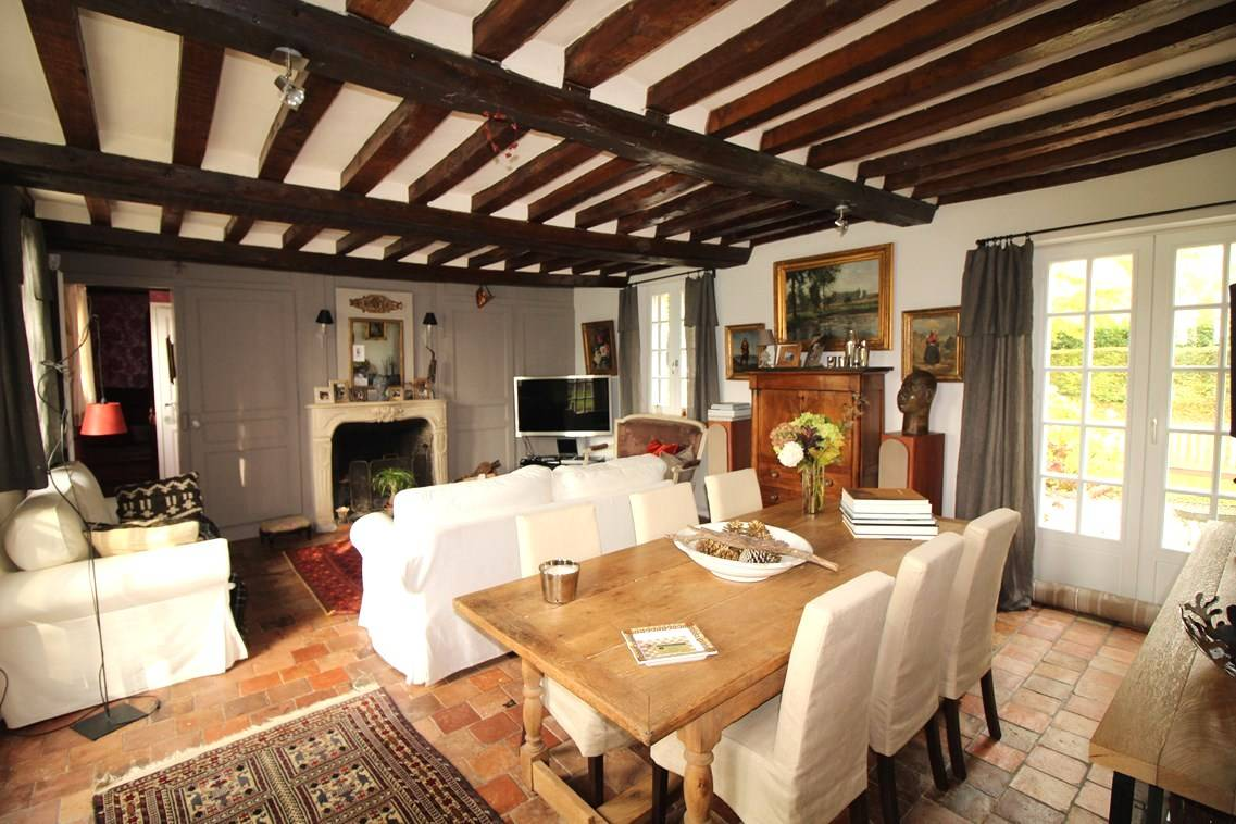En vente maison à colombages avec dépendances dans le Calvados 14