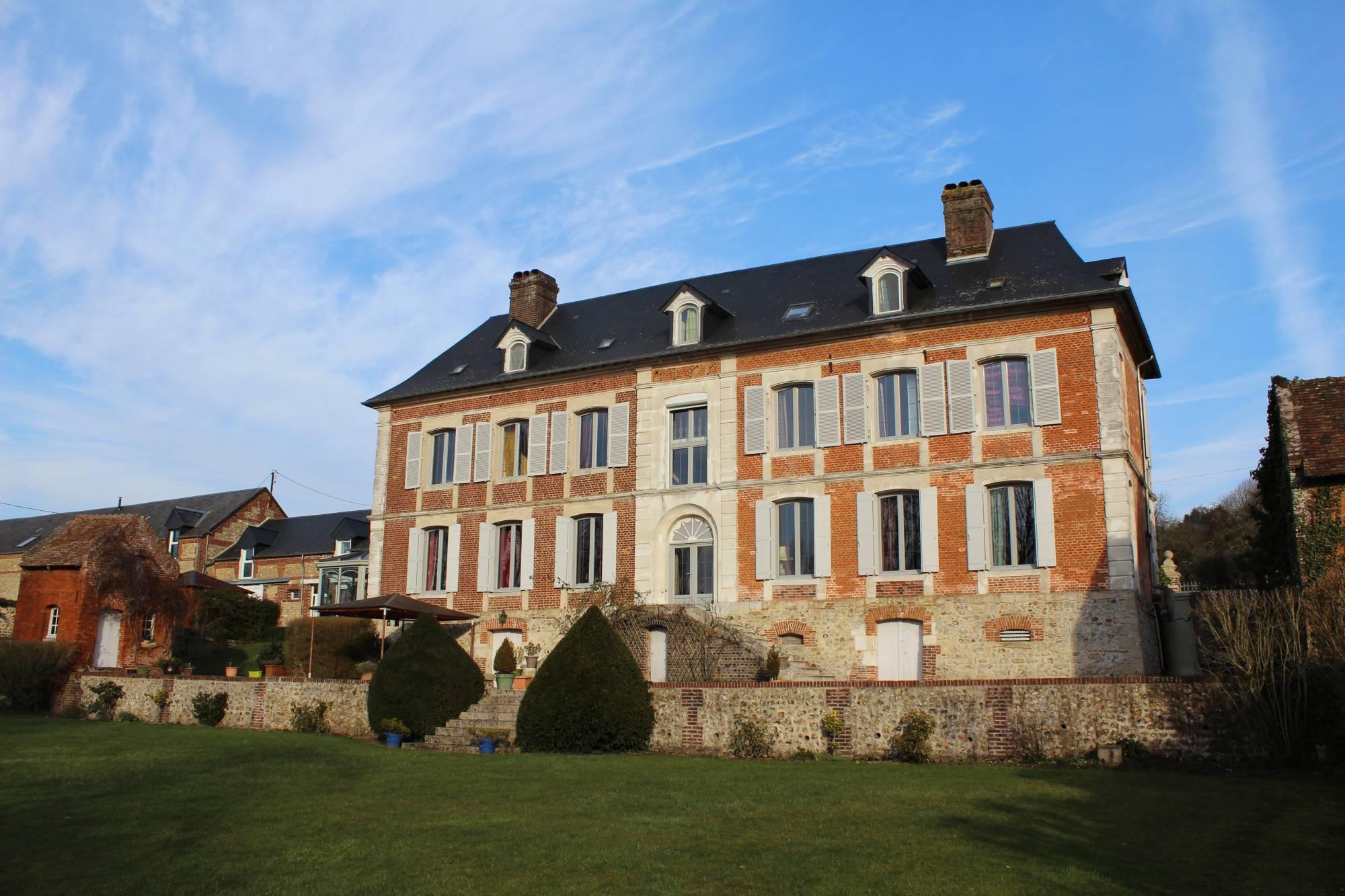 A vendre maison de maître du XVIIIème siècle avec parc paysagé de1Ha 60a en Normandie