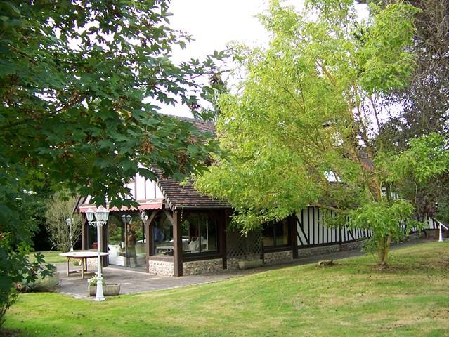 Acquérir, Normande de caractère dans un parc, proche Honfleur, Calvados