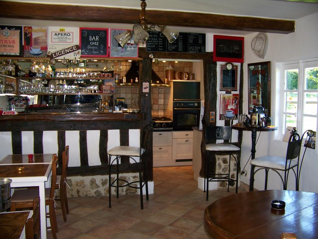 A vendre, chaumière à colombages proche village tout commerce, Calvados