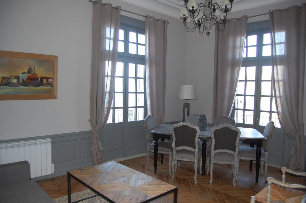Nos biens a deauville honfleur et cabourg appartement for Appartement atypique deauville