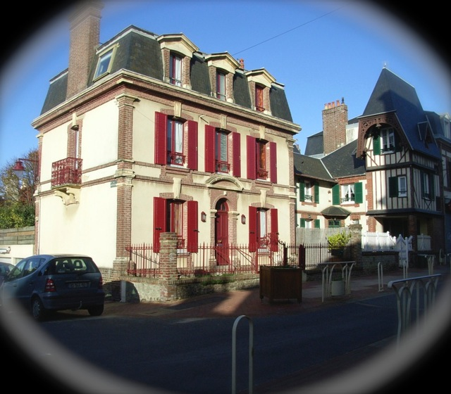 Achat maison en briques 4 chambres yvet t 76190 terres for Achat maison cabourg