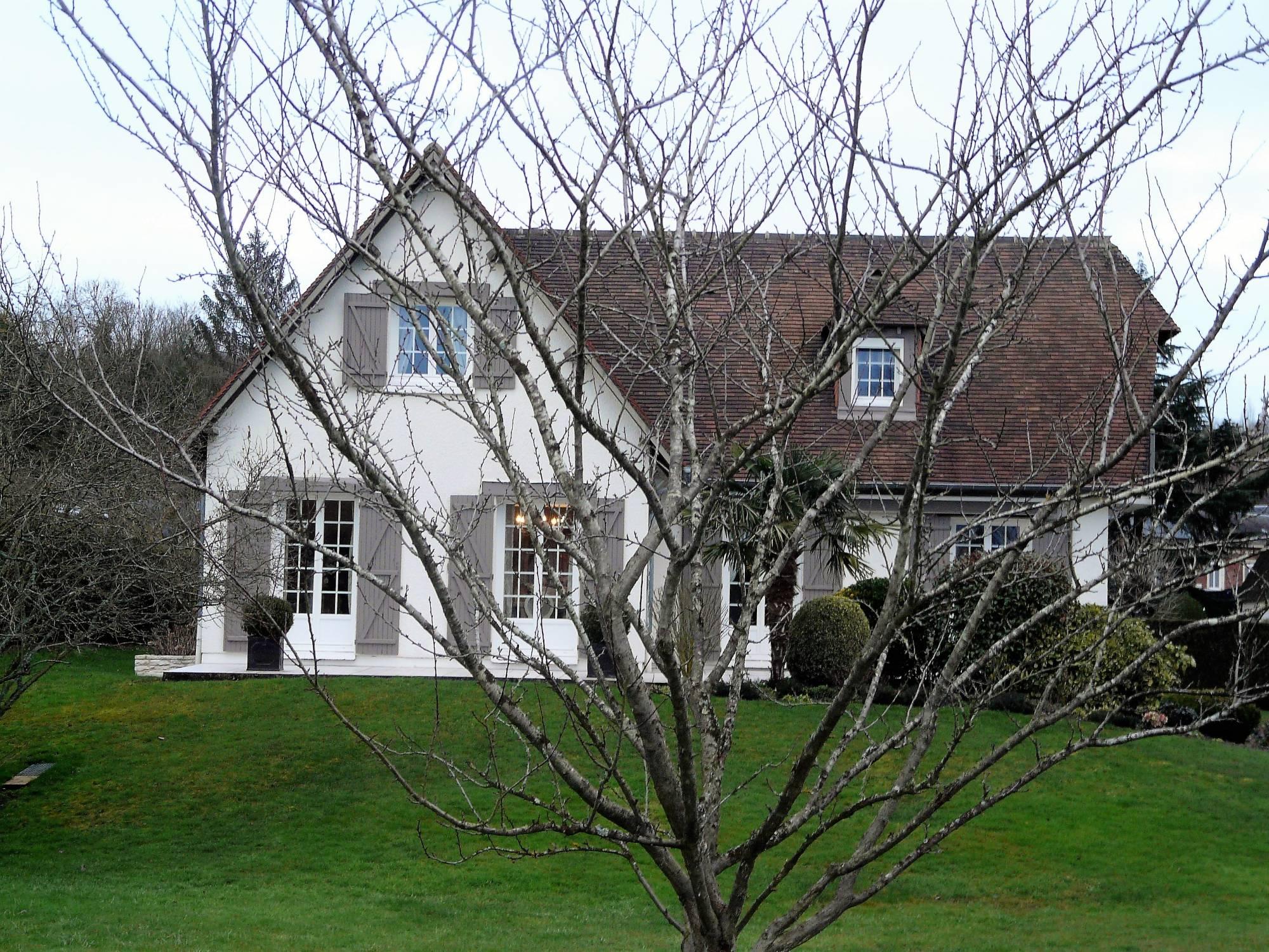 En vente maison d 39 habitation avec des prestations for Vente habitation