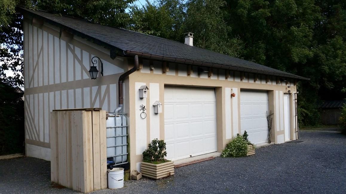A vendre maison en colombages et son garage proche Pont l'Eveque 14130