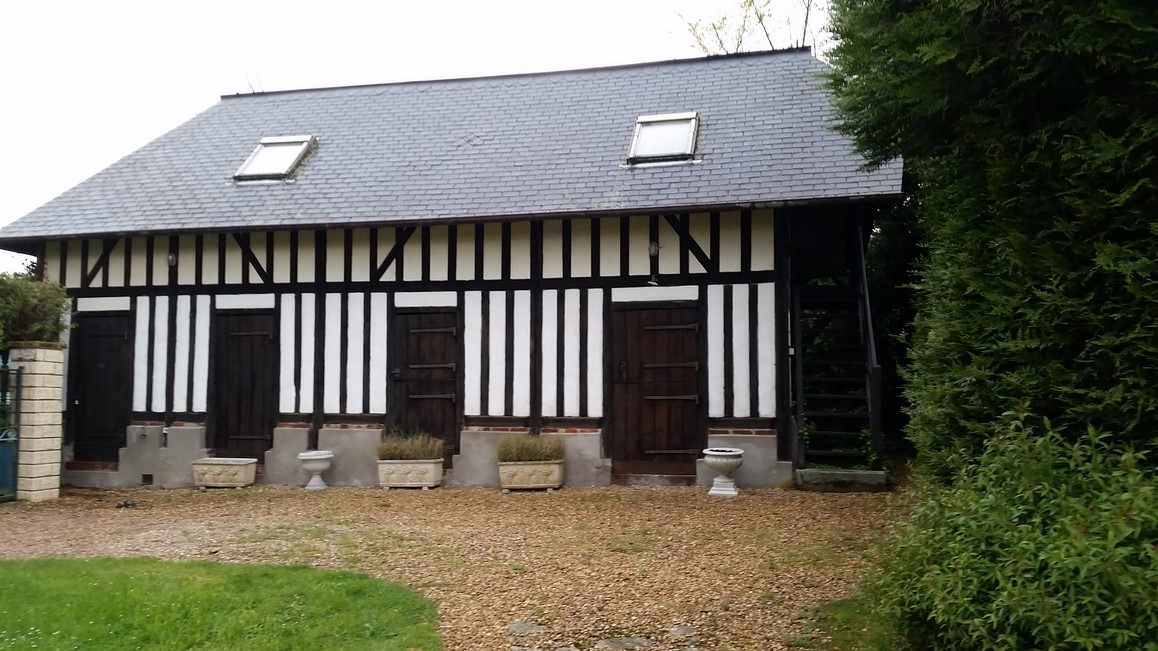 En vente, maison d'habitation de style normand avec maison d'amis