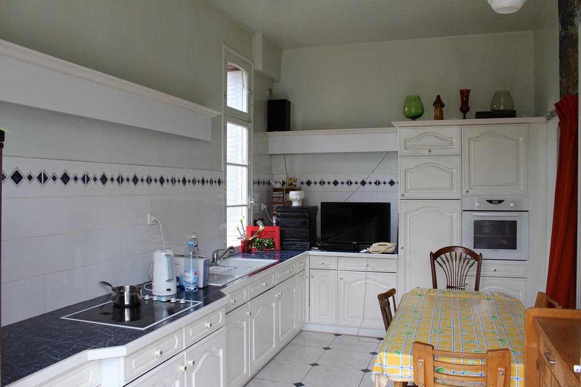 En vente Propriété ancienne avec cuisine aménagée