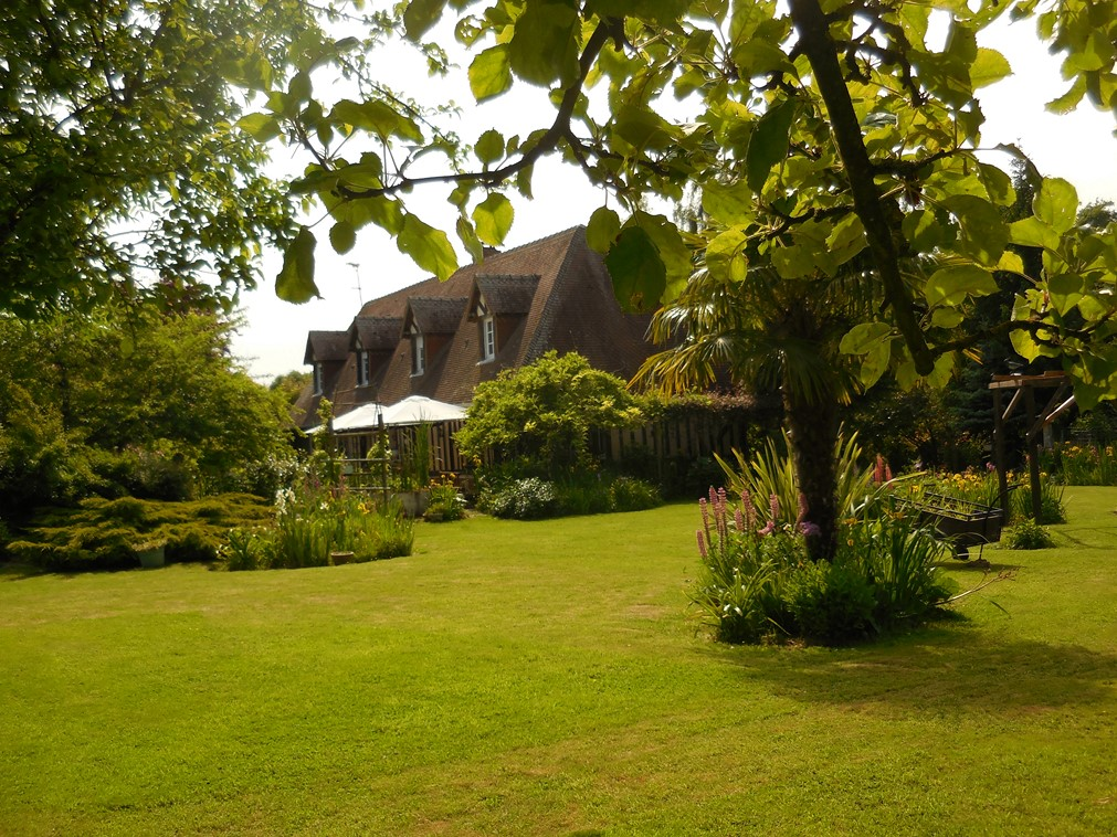 A vendre maison normande sur parc paysagée proche commerces calvados