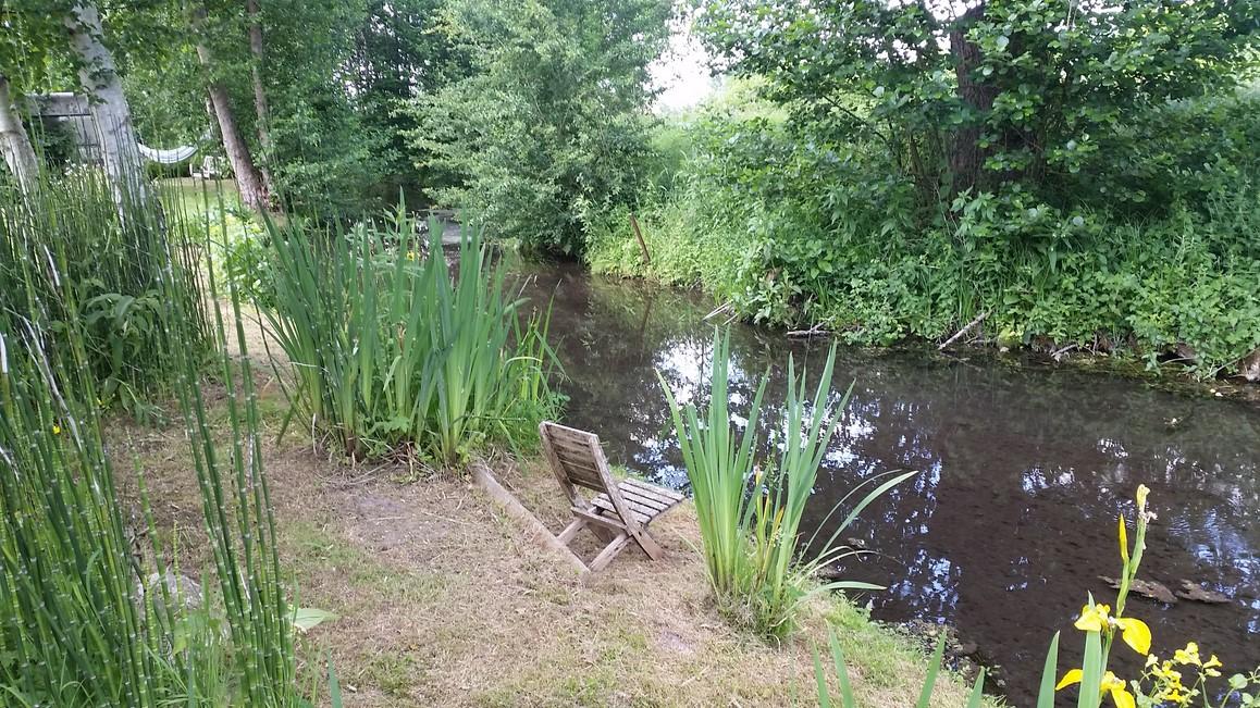 Vend maison normande bordé par riviere dans la vallée de la risle eure 27