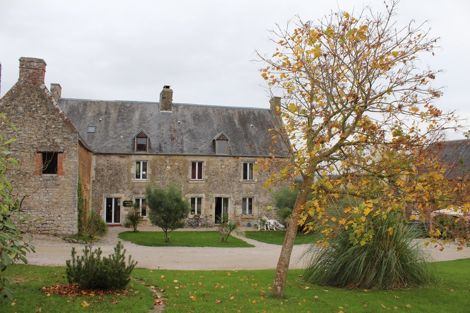 Achat ancien presbyt re bernay 27300 terres et demeures for Achat chambre hote