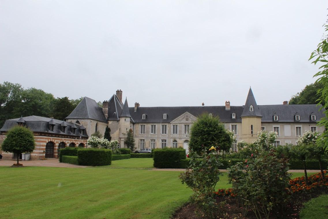 En vente chateau avec chapelle du XIV ème siecle region Pont Audemer, Eure 27
