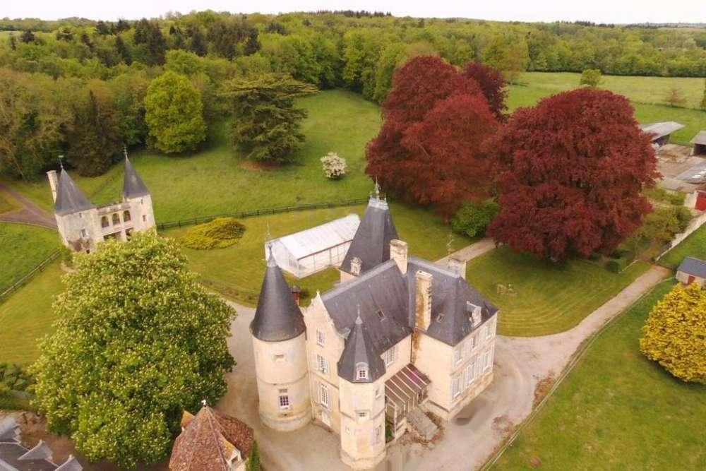 Acheter Propriété de charme avec piscine, pigeonnier, dépendances et pavillon de gardien anglo-normand en Normandie 14