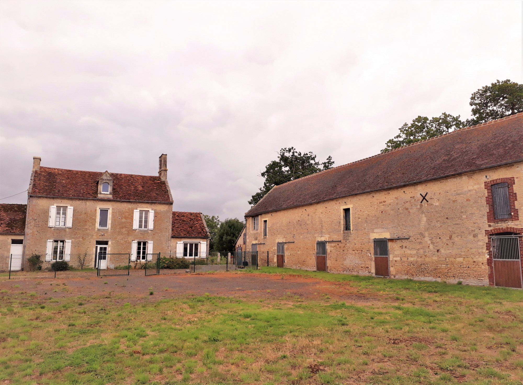 Propose Demeure avec beaucoup de cachet entre Caen 14000 et Le Pin au Haras 61310