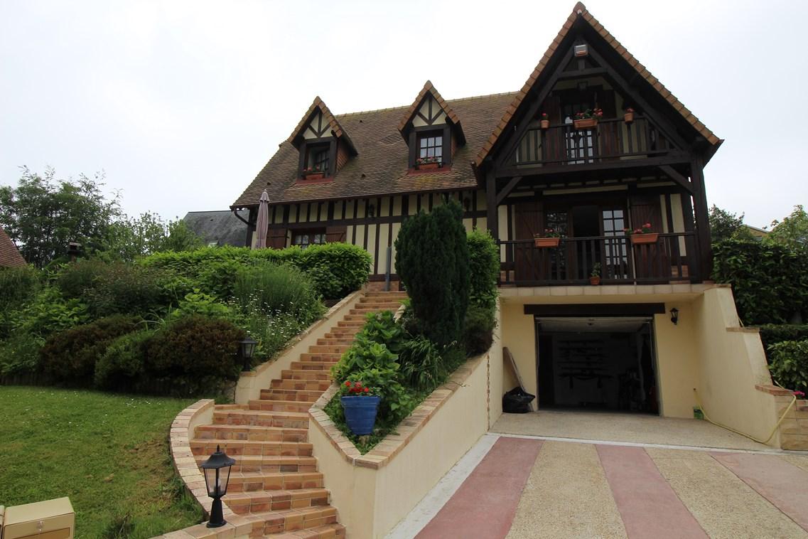 ventes maison normande r gion deauville normandie calvados 14 terres et demeures de normandie. Black Bedroom Furniture Sets. Home Design Ideas