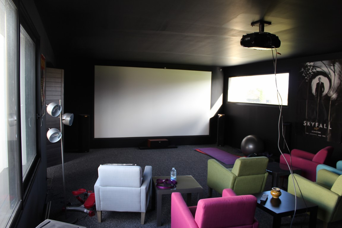 Visiter en Normandie une maison aux grands volumes de construction récente à moins de 2 heures de PARIS La Défense.