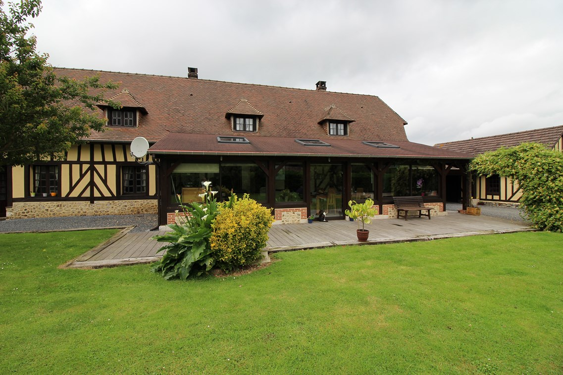 maison normande proche de honfleur et beuzeville eure 27 terres et demeures de normandie. Black Bedroom Furniture Sets. Home Design Ideas