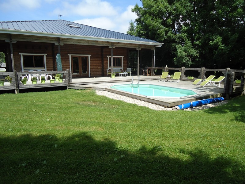 Maison scandinave avec terrasse et piscine proche de for Hotel a dieppe avec piscine