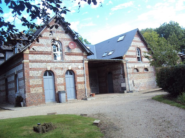A vendre ce Manoir équipé de gîtes et chambres d'hotes près de St Valery en Caux Seine Maritime 76