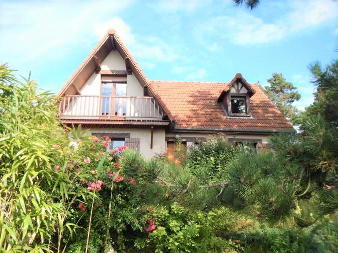Achetez cette belle maison traditionnelle, vue mer, 3 chambres, à deux pas de la plage située dans le charmant village de Criel-sur-Mer (76) en Normandie.