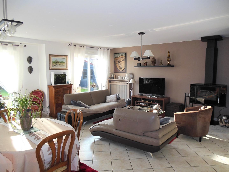 A acheter cette très belle maison contemporaine, 4 chambres, axe Dieppe - Penly, à 5 minutes de la mer en Norrmandie.