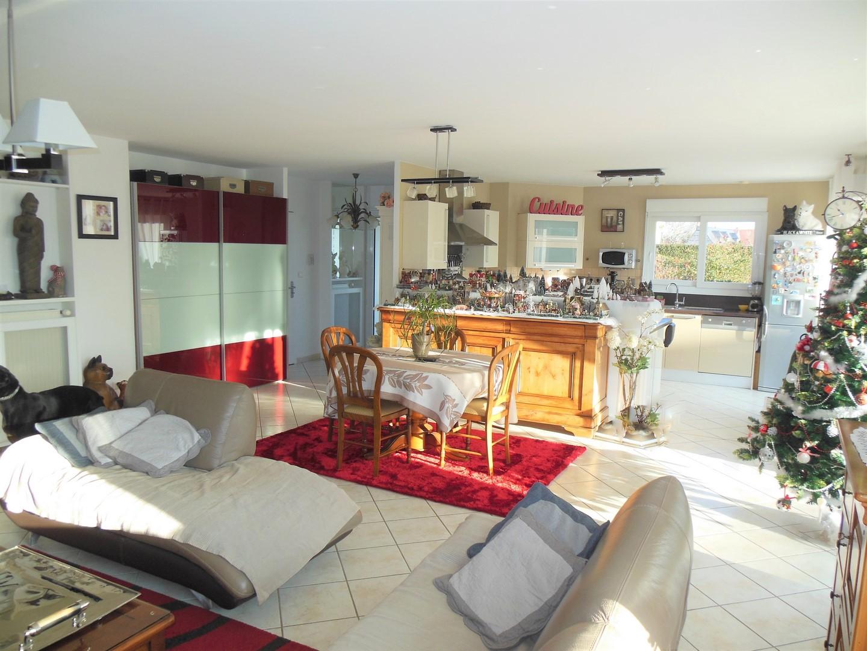 A vendre cette très belle maison contemporaine, 4 chambres, axe Dieppe - Penly, à 5 minutes de la mer en Norrmandie.