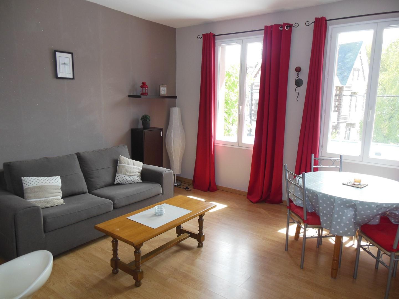 A vendre à 100m de la mer, bel appartement rénové de type F2, dans une copropriété Anglo-Normande à Dieppe (76)