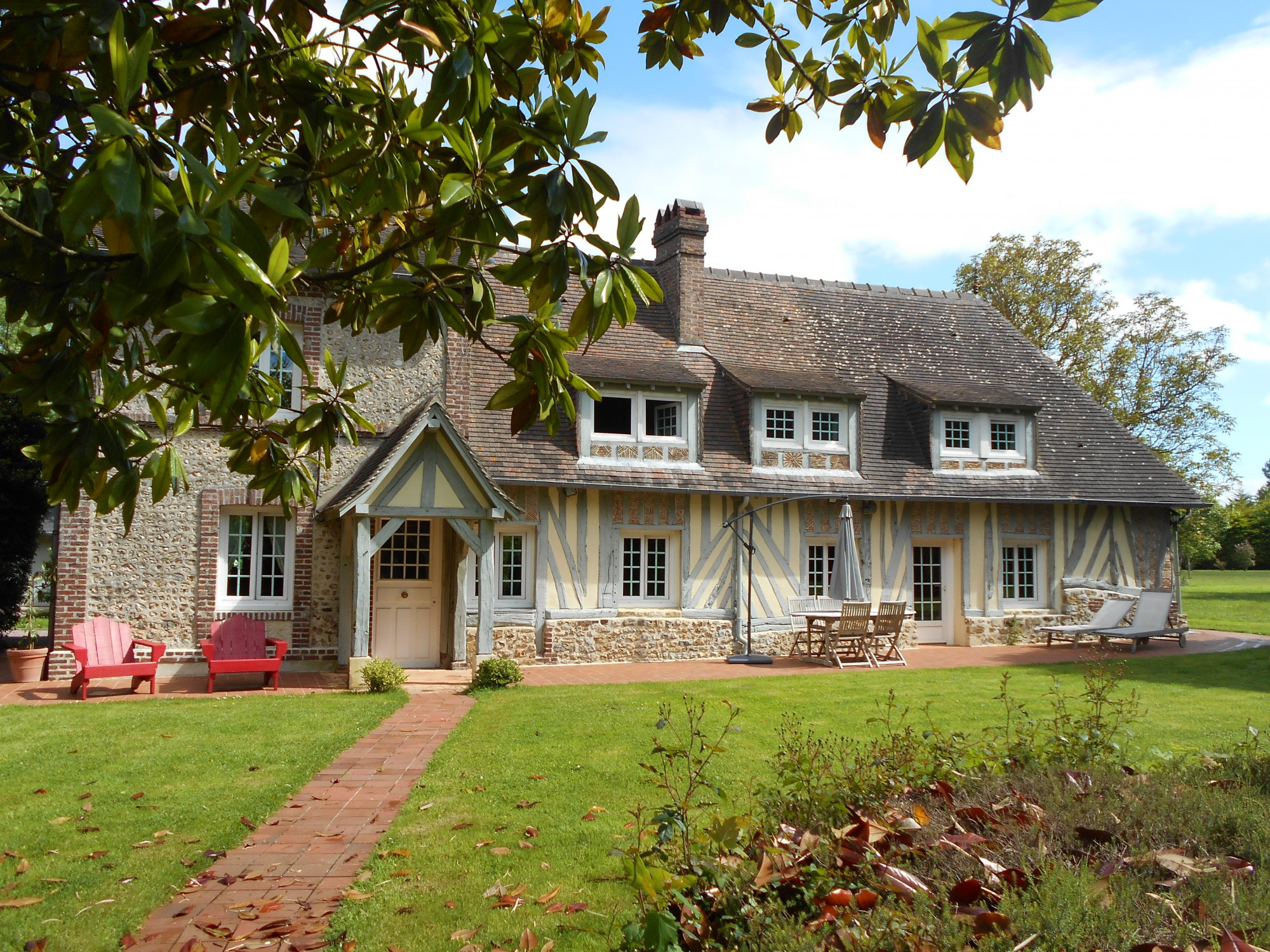 lisieux ventes maison normande r gion pont l 39 ev que pays d 39 auge calvados 14 terres et demeures. Black Bedroom Furniture Sets. Home Design Ideas