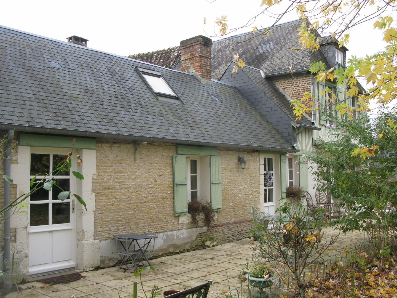 Lisieux ventes propriete normande proche livarot pays d 39 auge terres et - Maison de charme perche ...