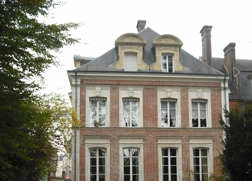 Lisieux ventes appartement 3 4 pieces bernay centre ville for Appartement de ville
