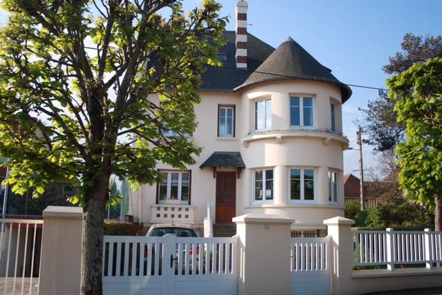 Maison de préstige à vendre à Cabourg près de la mer, agence immobilière Terres et Demeures de Normandie