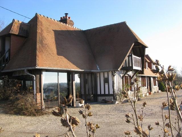 maison a vendre avec riviere dans le pays d 39 auge normandie 14 terres et demeures de normandie. Black Bedroom Furniture Sets. Home Design Ideas