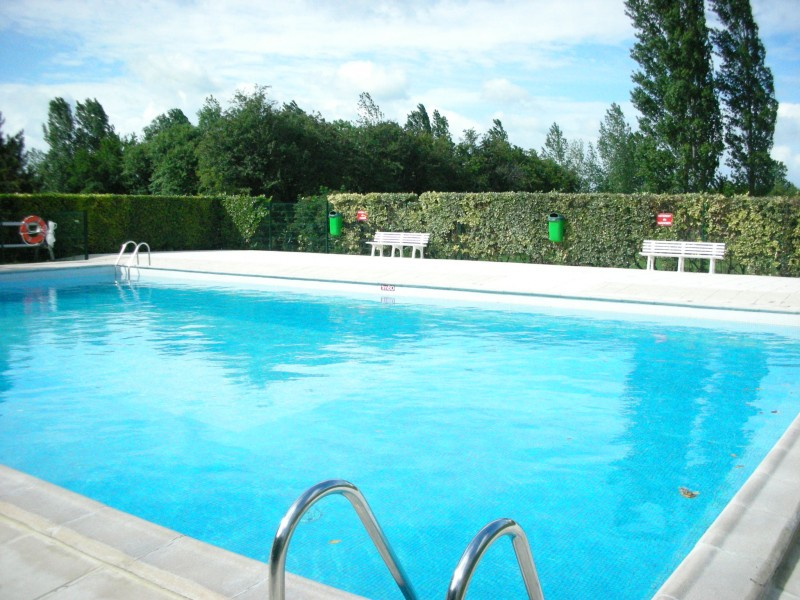 Nos biens a deauville honfleur et cabourg maison a for Camping calvados avec piscine