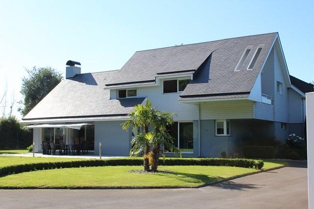 maison contemporaine a vendre normandie calvados region honfleur terres et demeures de. Black Bedroom Furniture Sets. Home Design Ideas
