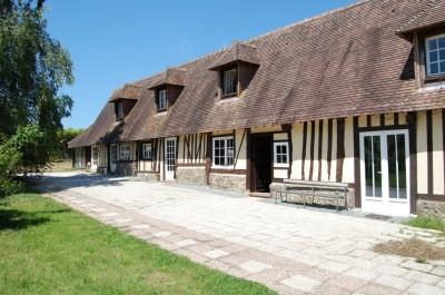 Vente de haras pont audemer 27500 terres et demeures for Restauration maison normande