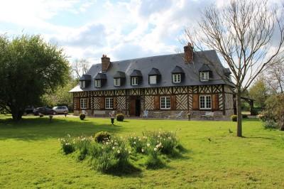 Terres et demeures de Normandie vous propose cette demeure normande