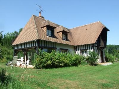 Terres et Demeures de Normandie vous proprose cette maison néo normande Calvados 14