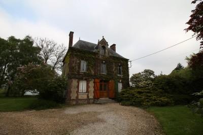 A acheter Maison à restaurer aux beaux volumes sur parc d'environ 7000 m² région Cormeilles Eure 27