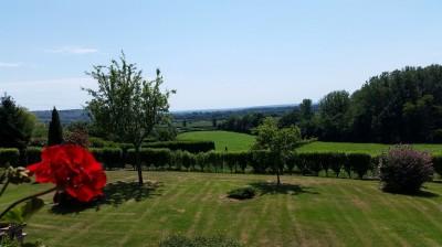 Achetez maison de campagne avec vue vallée en Normandie