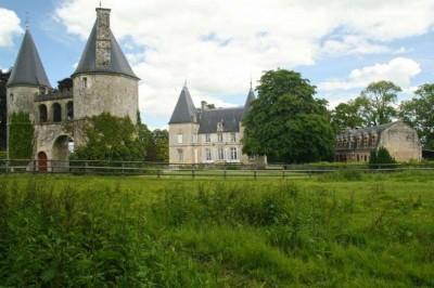 En vente Authentique Demeure du 16ème siècle avec 120 hectares à 30 minutes de Caen Calvados 14