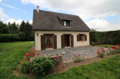 Terres et Demeures de Normandie vous propose cette maison individuelle région du Bec Hellouin