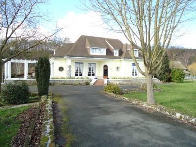 Achetez cette demeure au bord de la Seine, à Jumièges en Normandie