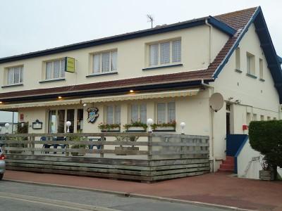 Acheter cette maison vue mer, à ce jour en activité comme hôtel restaurant, vue mer 180° à Pourville sur Mer