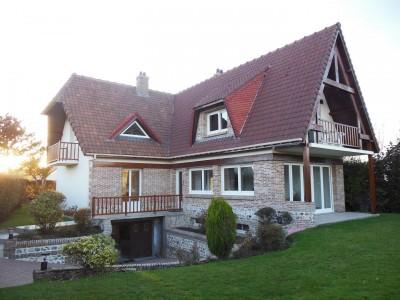 Achetez cette exceptionnelle maison sur la côte d'albâtre, offrant de belles prestations, à 5 minutes de la mer en Normandie (76)
